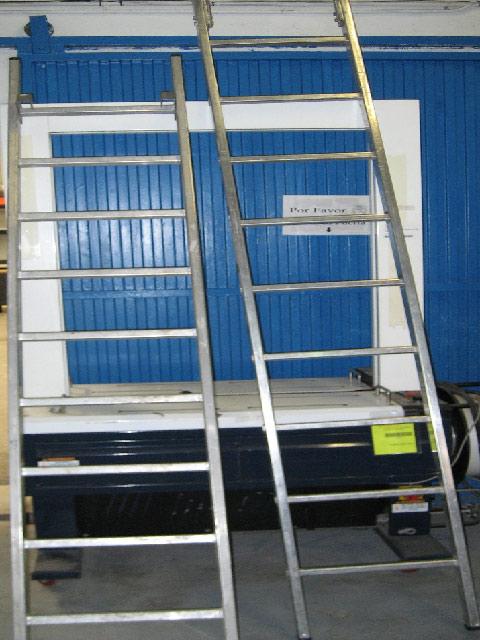 Escaleras anuncios clasificados gratis en for Escalera electricista madera